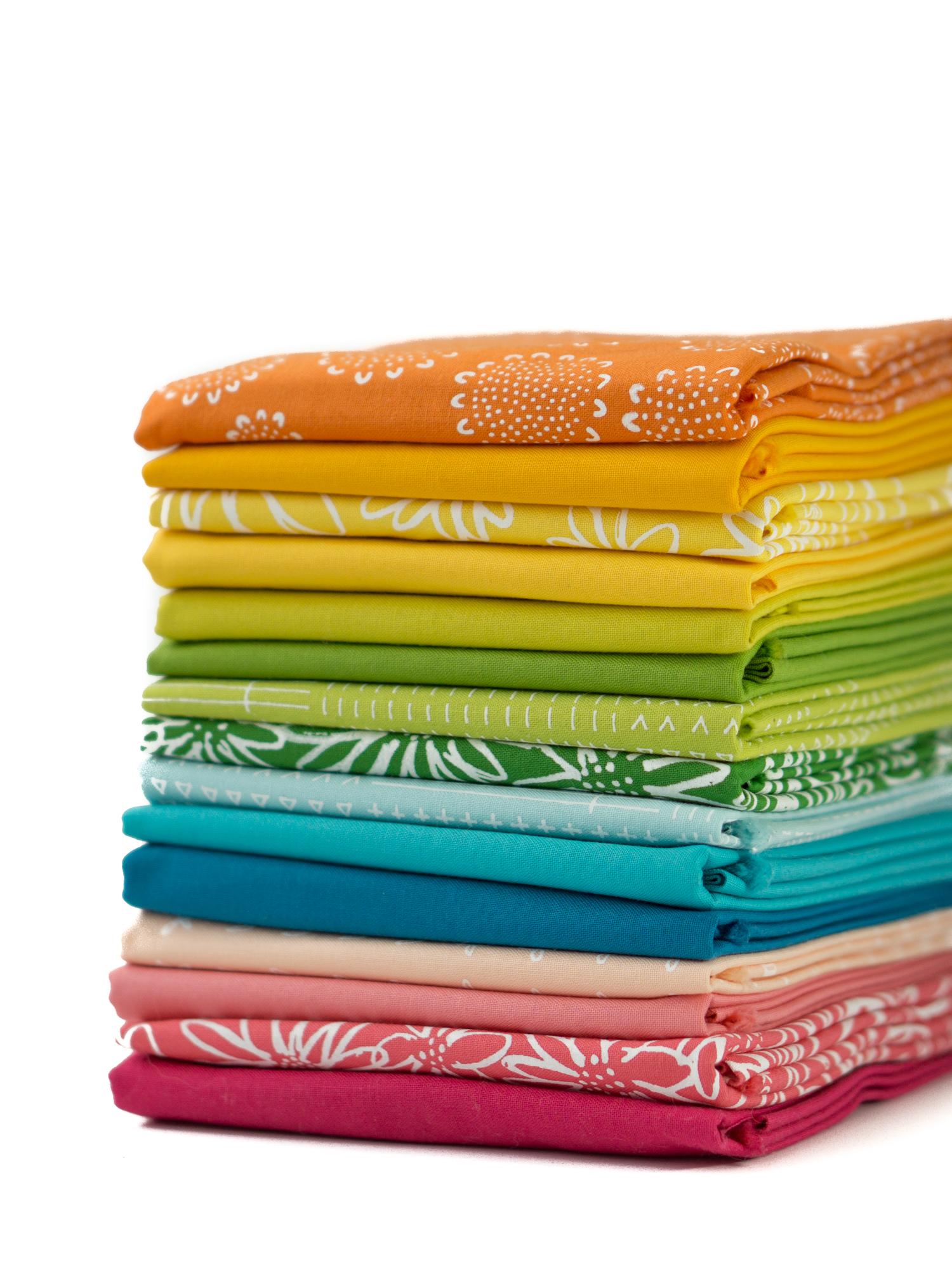 Happy Penquin fat quarter bundles /& fabrics  per half metre 100/% cotton